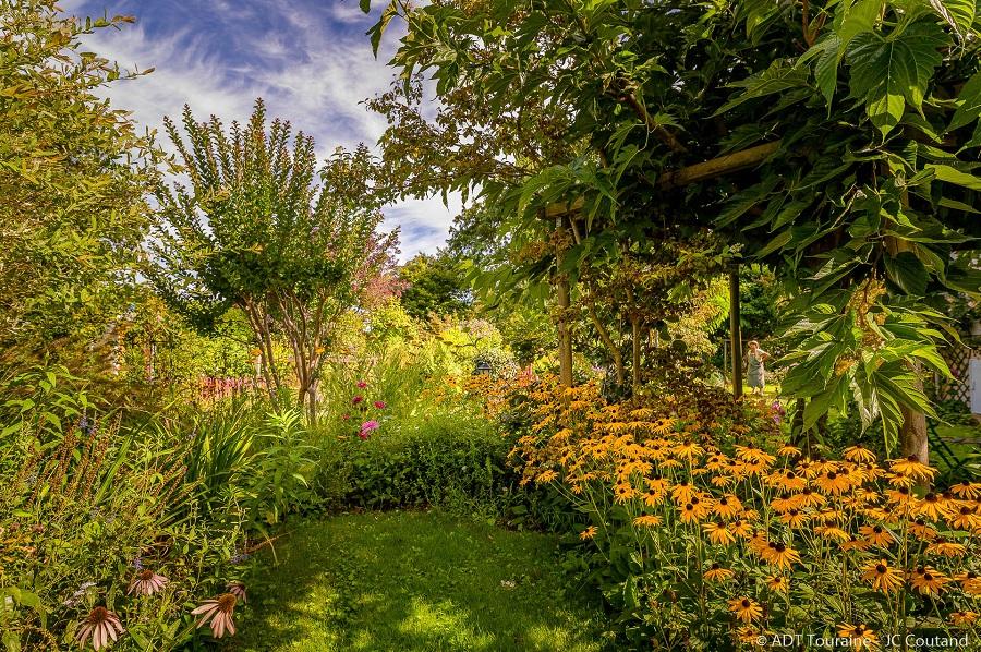 Jardin des merveilles de Mireille, à Channay-sur-Lathan, au nord de Langeais et Bourgueil. Val de Loire