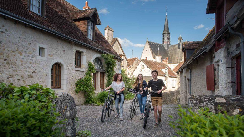 Dans les ruelles de Montrésor, l'un des plus beaux villages de France.