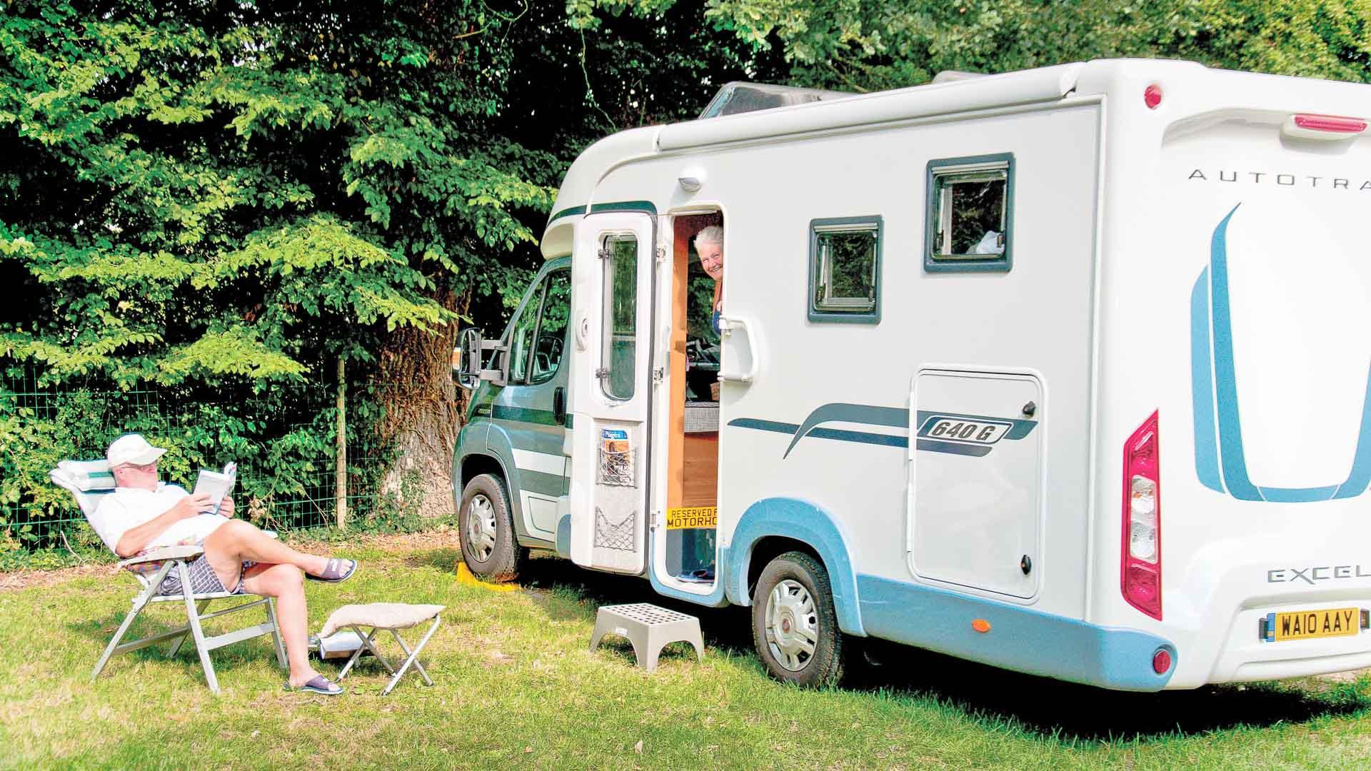 ch teaux de la loire camping car en touraine amboise azay le rideau chenonceau. Black Bedroom Furniture Sets. Home Design Ideas