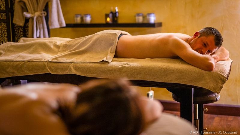 Après le marathon de Tours, une séance de massage dans un spa vous permettra de bien récupérer de cette épreuve sportive de course à pied, organisée dans le Val de Loire, en France.