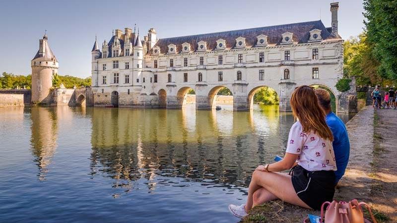 Le patrimoine mondial de l unesco et les châteaux de la loire : le château de chenonceau, le château d amboise, villandry, le château d'Azay-le-Rideau, mais aussi le château de chambord, le château de chaumont sur loire (Loir-et-Cher), de Sully sur loire, de Meung sur loire, et l'Abbaye de Fontevraud (Anjou / Maine et loire)