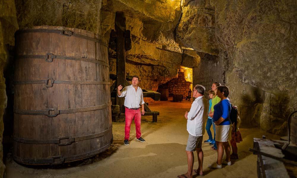 La cave de la dive bouteille : un musée troglodytique
