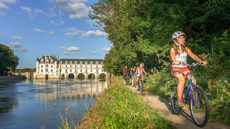 Balade à vélo au bord du Cher - Château de Chenonceau