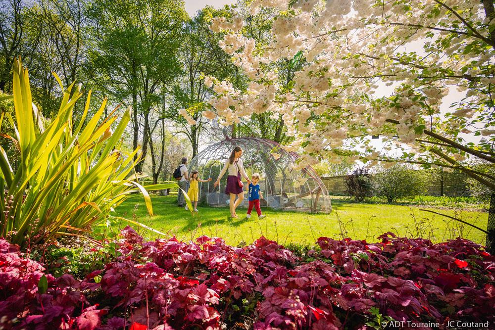 Dans les jardins du Rivau