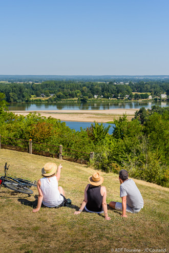 PNR Parc naturel régional Loire Anjou Touraine - Village de Candes-Saint-Martin