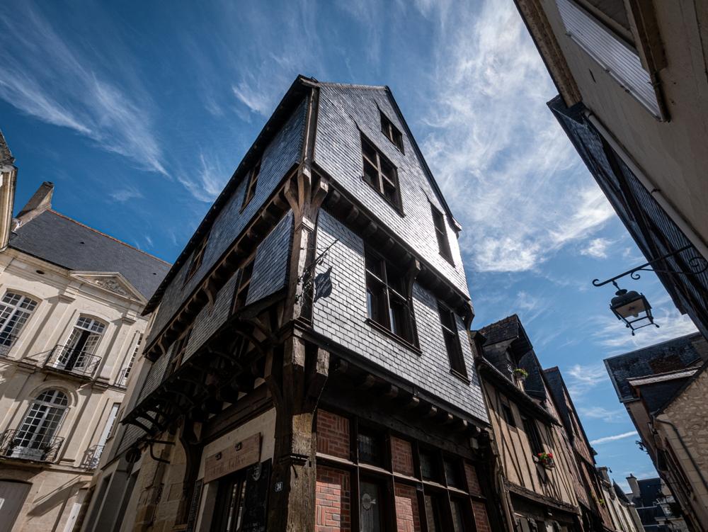 Maison médiévale couverte d'ardoises - Chinon