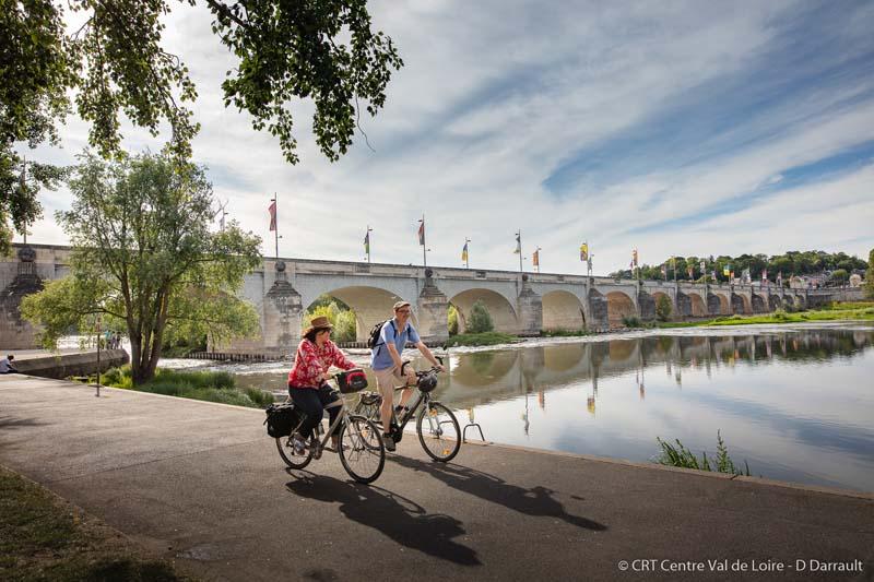 Séjour à vélo à partir de Tours, en France, grâce aux Chèques Vacances de l'ANCV.
