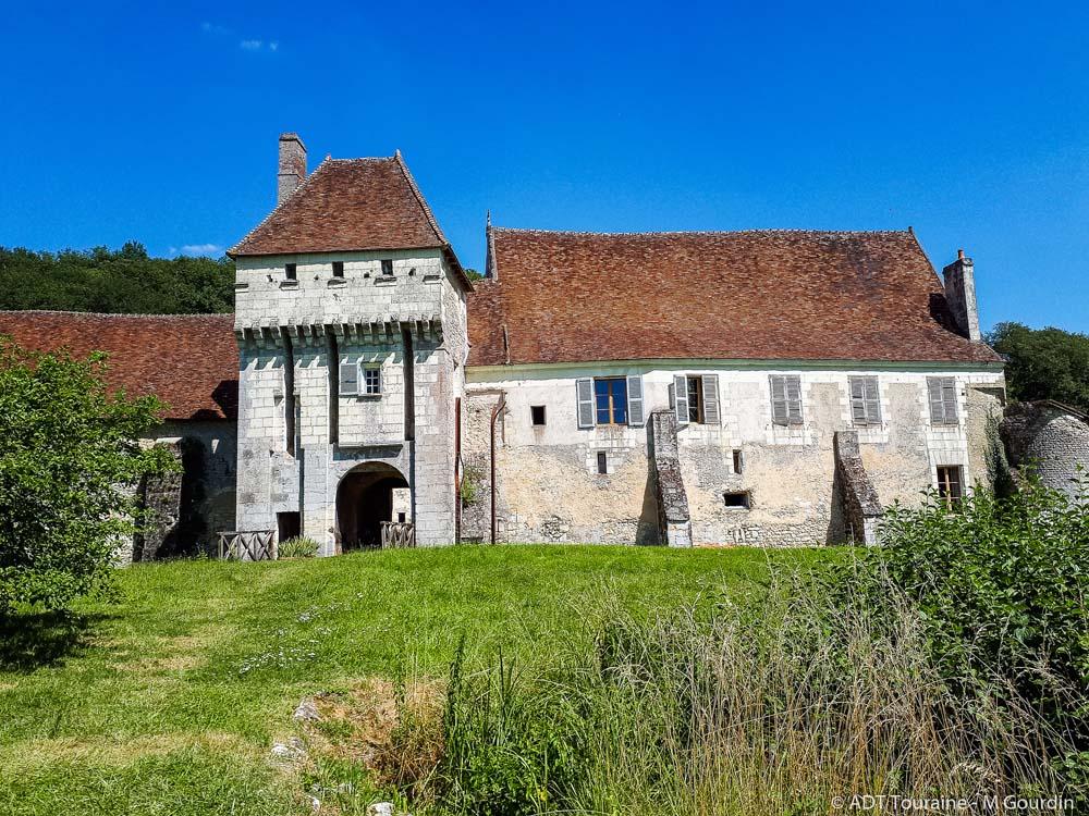 Le château-monastère de la Corroirie