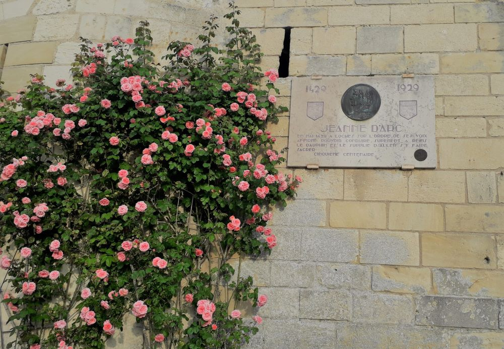 Plaque commémorative du passage de Jeanne à Loches