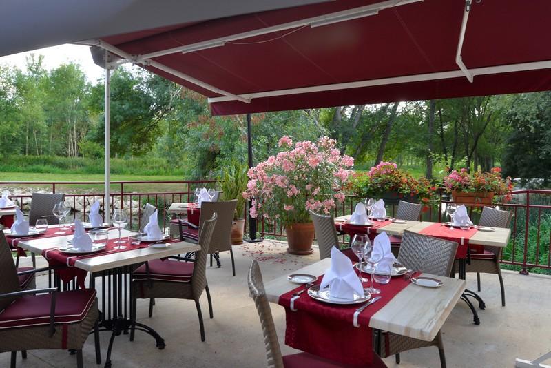 Le Moulin Fleuri à VEIGNE - Restaurant