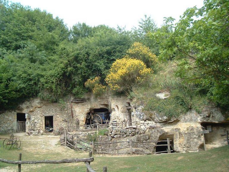 Vallée troglodytique des Goupillières-15