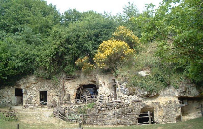 Vallée troglodytique des Goupillières-3