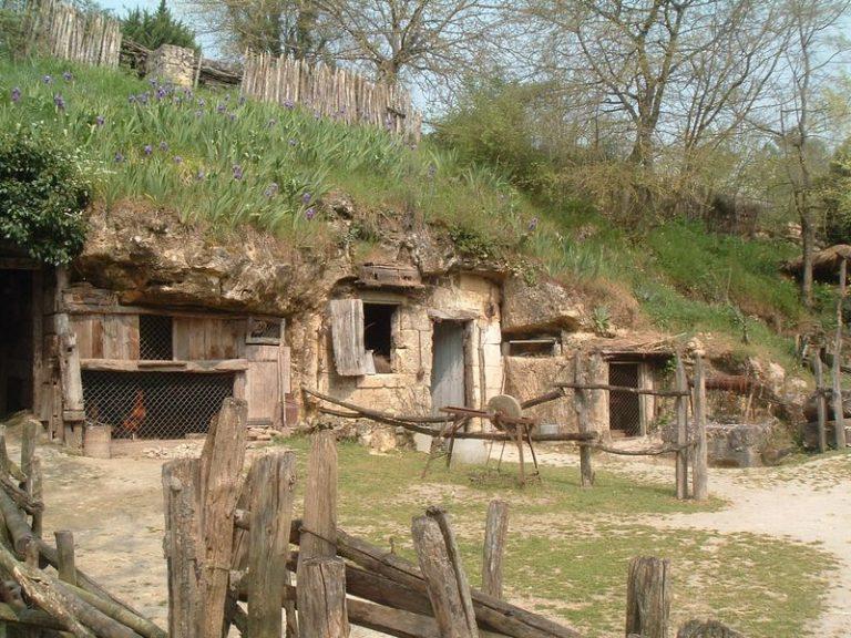 Vallée troglodytique des Goupillières-14