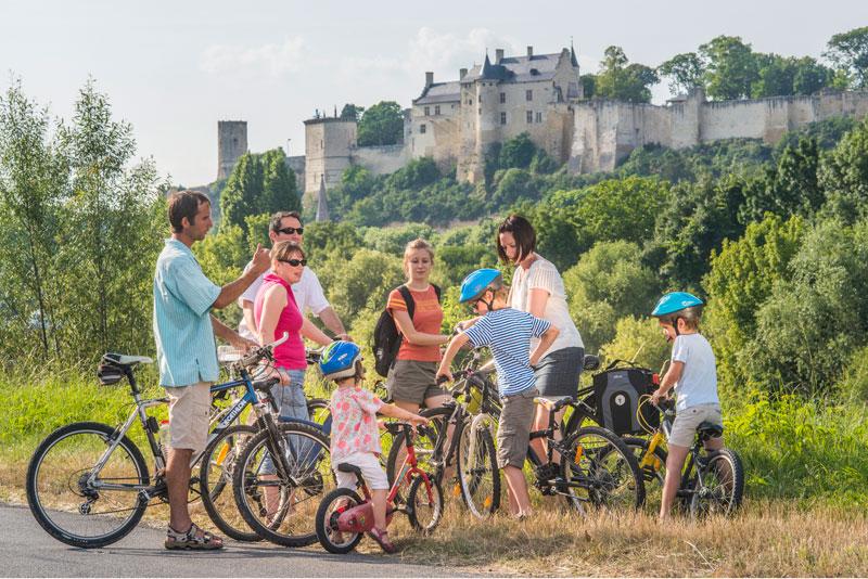 Que faire ce week-end en Touraine, près de Paris ? Idée de sortie pour le week-end : une balade via une boucle vélo, par exemple entre Chinon et la Vallée de la Vienne.