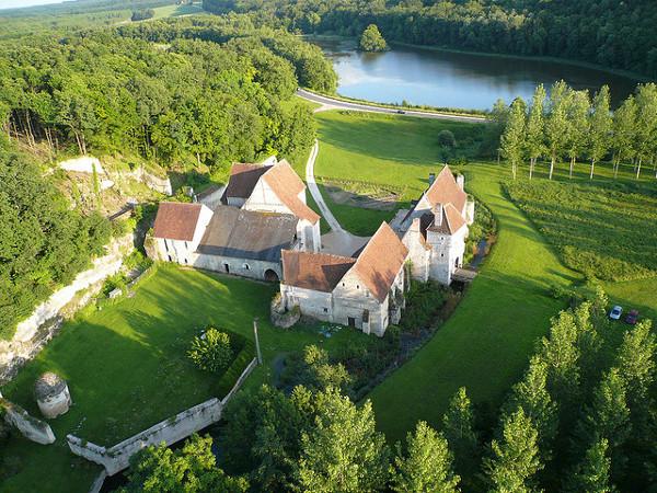 Château-monastère de la Corroirie-2