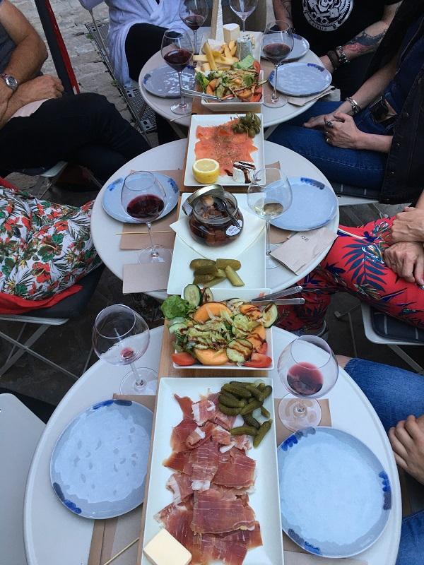 La Loire en Tonneaux – Cave et bar à vins-3