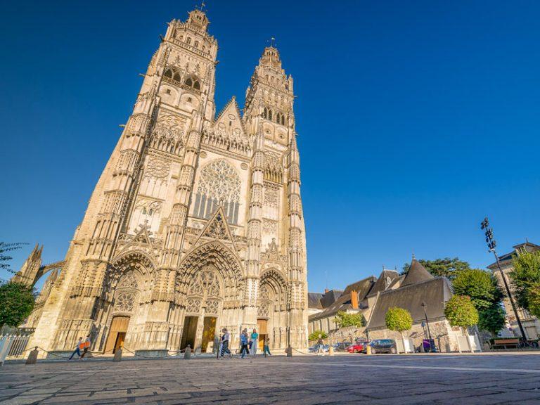 Cathédrale Saint-Gatien-1