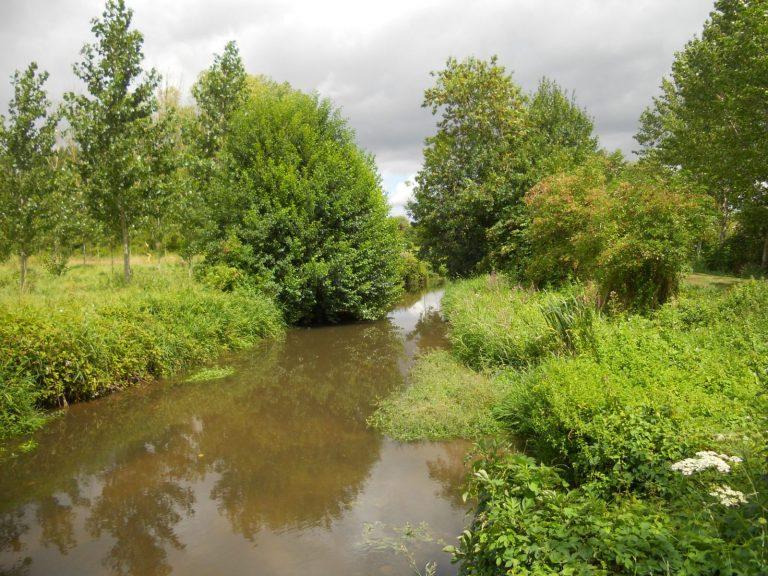La Sainte Chapelle, son village et ses ruisseaux-2