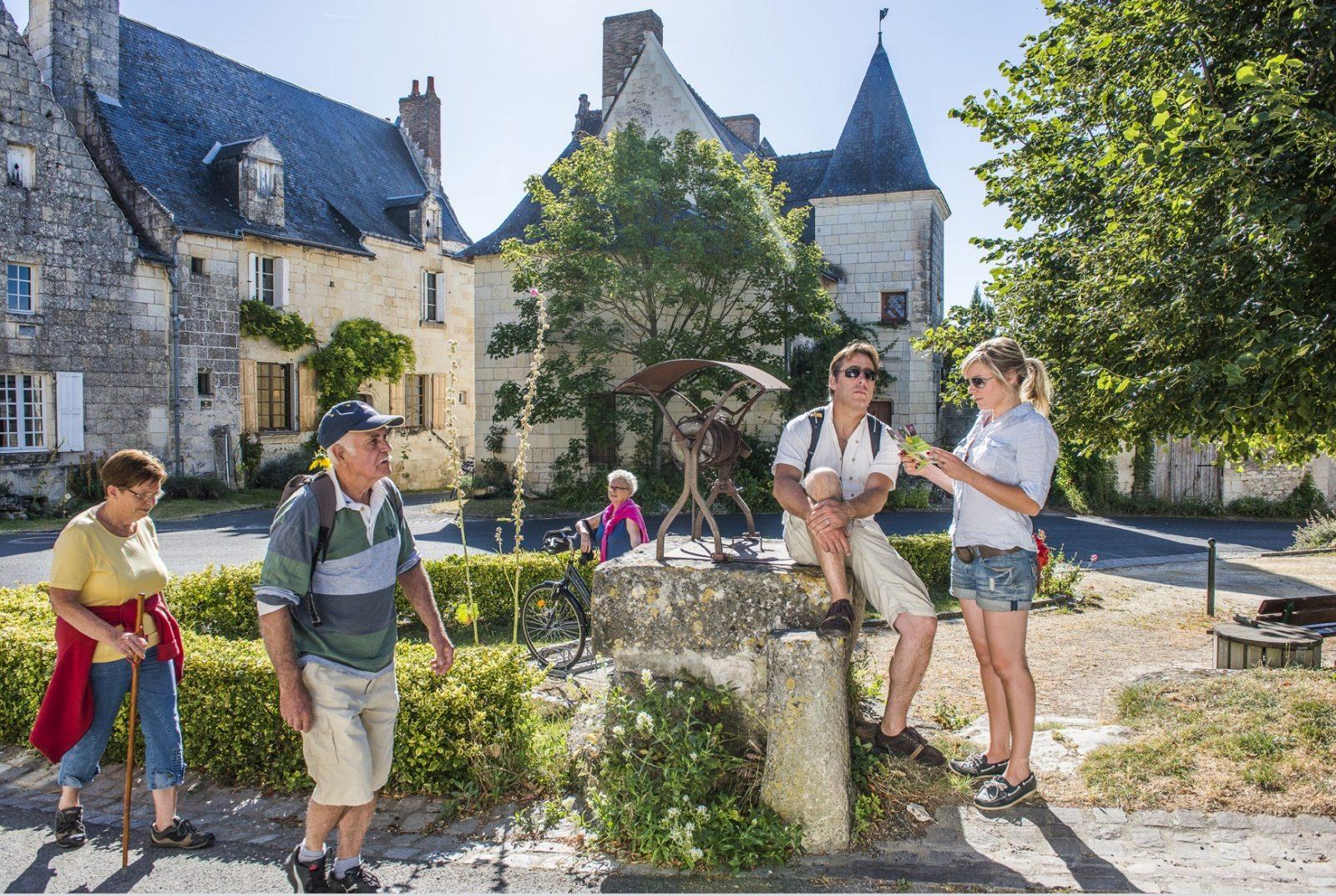 Boucle pédestre n°24. Crissay-sur-Manse, Avon-les-Roches,Tranchelion-1