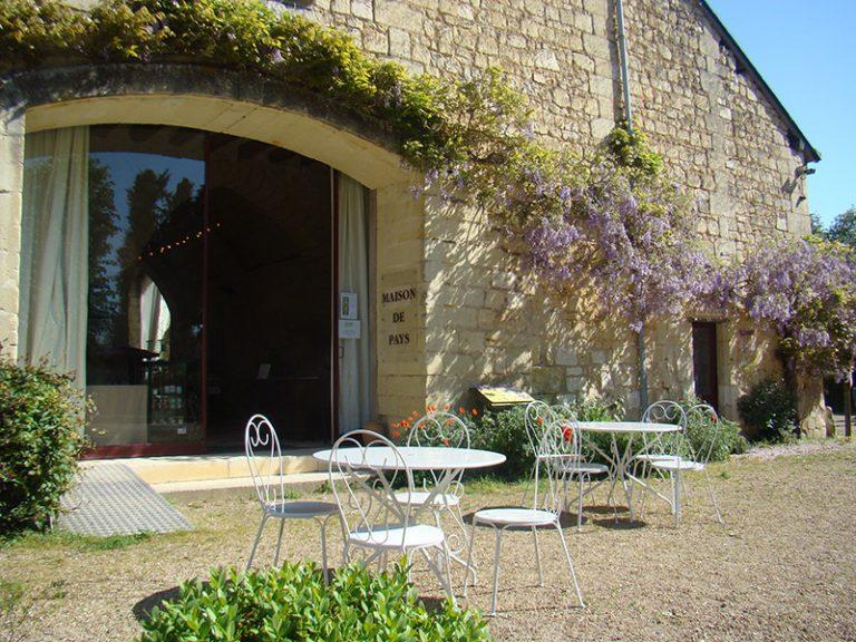 Maison de Pays et visite des extérieurs de l'Abbaye de Seuilly-2