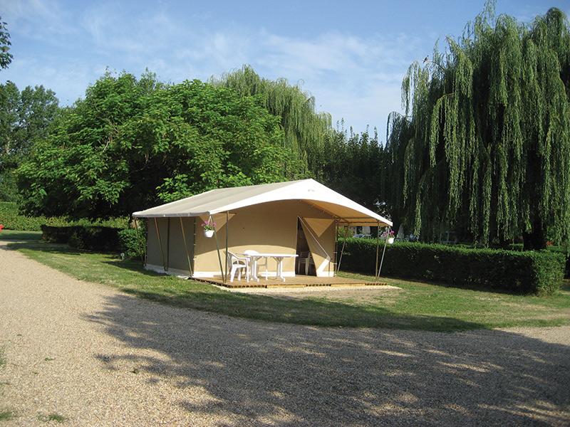 Camping la croix de la motte marcilly sur vienne for Camping garage mort gratuit loire atlantique